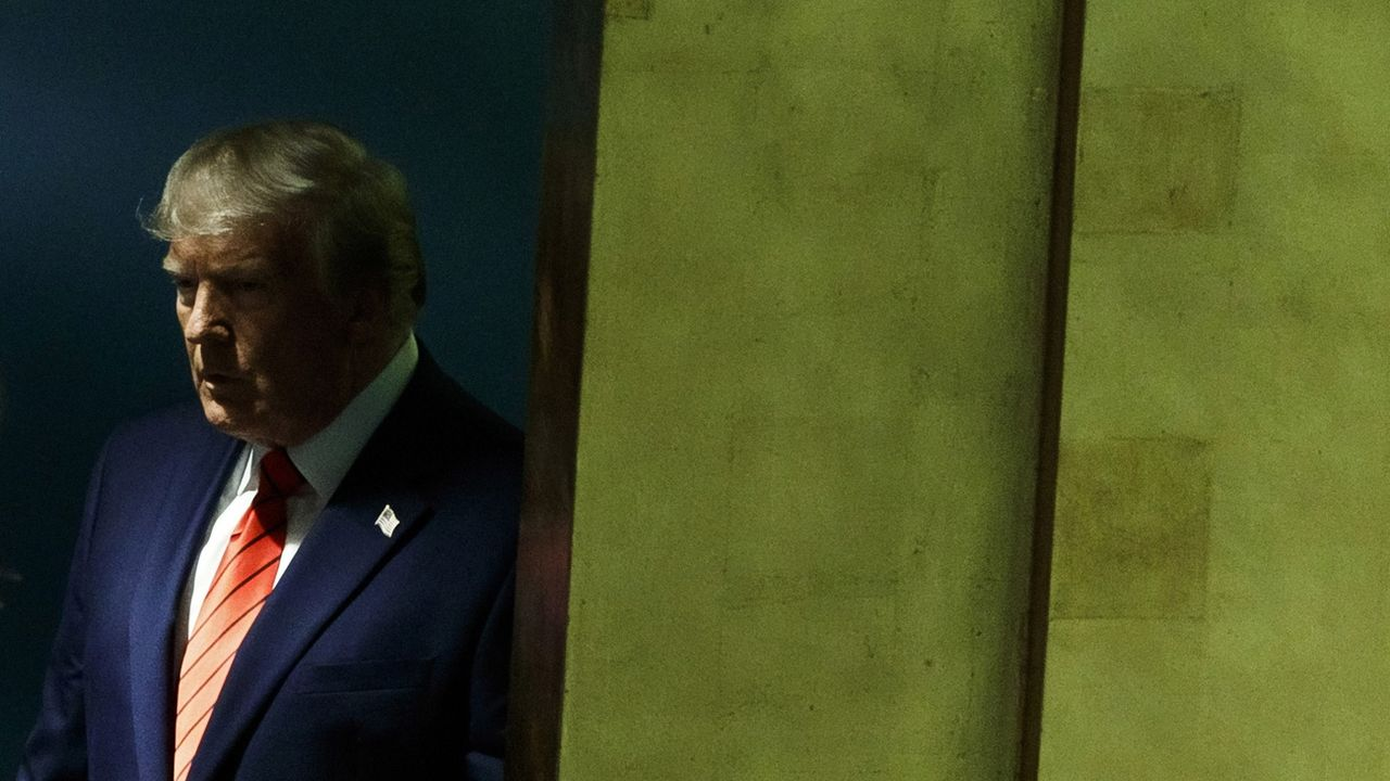 Donald Trump est menacé par une procédure de destitution pour avoir demandé l'aide d'un gouvernement étranger dans la campagne présidentielle. [Justin Lane - Keystone/epa]