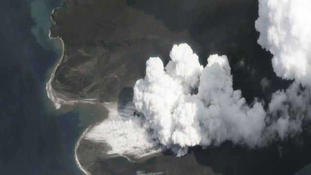 Une image satellite du volcan Anak Krakatoa en plein effondrement en janvier 2019. Planet Labs, Inc. AFP [Planet Labs, Inc. - AFP]