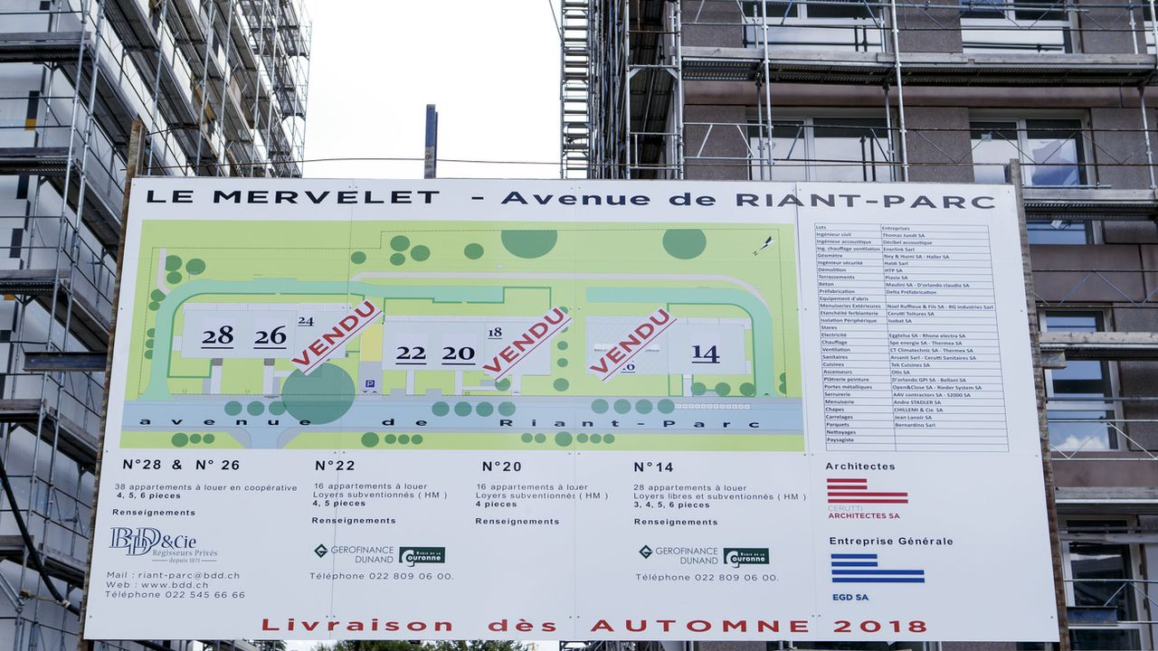 Des immeubles en construction à Genève. [Salvatore Di Nolfi - Keystone]
