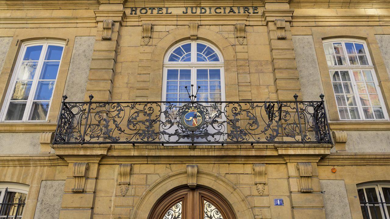 """Le nouveau procès de l'affaire """"Chrome"""" a lieu au Tribunal cantonal neuchâtelois. [Jean-Christophe Bott - Keystone]"""