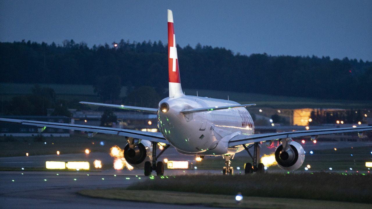 Les pilotes militaires pourront suivre des stages de reconversion chez Swiss [Gaetan Bally - Keystone]