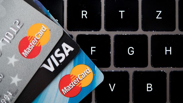 Visa et Mastercard se retirent du projet de monnaie de Facebook. [Monika Skolimowska - AFP]