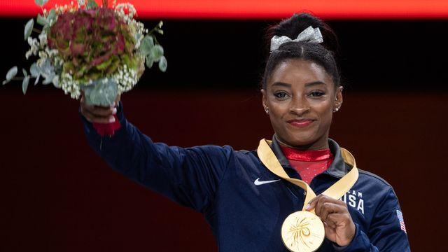 Avec cette 23e médaille mondiale, Simone Biles rejoint le Bélarusse Vitaly Scherbo. [Marijan Murat - Keystone]