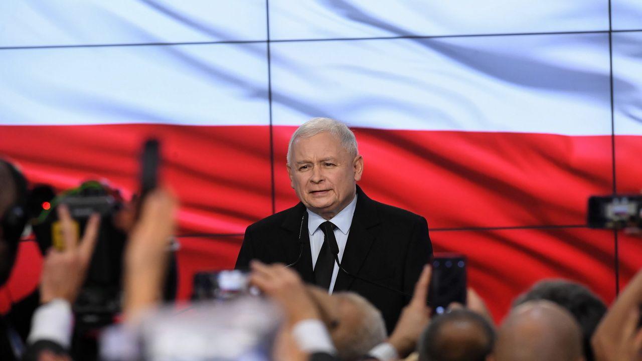 Les conservateurs polonais conservent la majorité absolue au parlement. [Radek Pietruszka - Keystone]