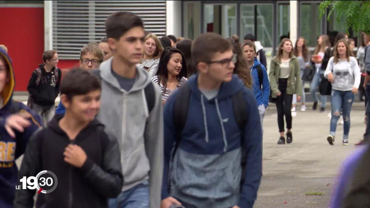 Un à deux élèves par classe sont victimes de harcèlement scolaire. La cour des comptes de Genève a émis des recommandations. [RTS]