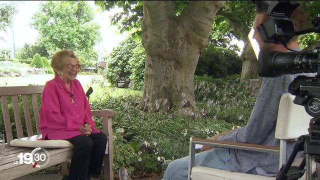 """Le célèbre Docteur Ruth, sexologue, a 91 ans. Un documentaire """"Ask Dr. Ruth"""" retrace sa vie. [RTS]"""