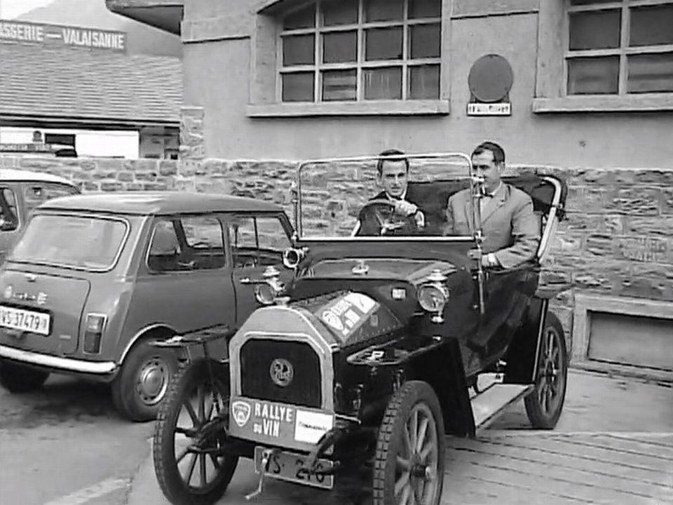 En route pour le Rallye du vin du Valais, 1968. [RTS]