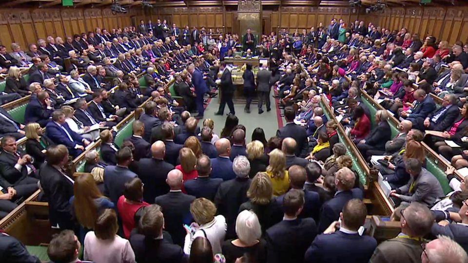Les députés britanniques ont pris la décision de reporter leur décision sur l'accord de Brexit. [TV parlementaire britannique/Reuters]