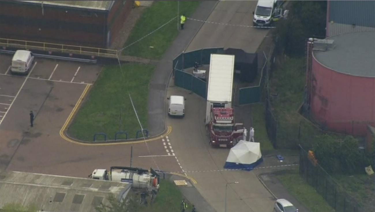 Londres: 39 corps découverts dans un camion en provenance de Bulgarie