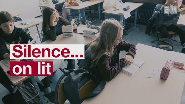 """""""Silence, on lit"""" ou comment (re)donner goût à la lecture aux adolescents [RTS]"""
