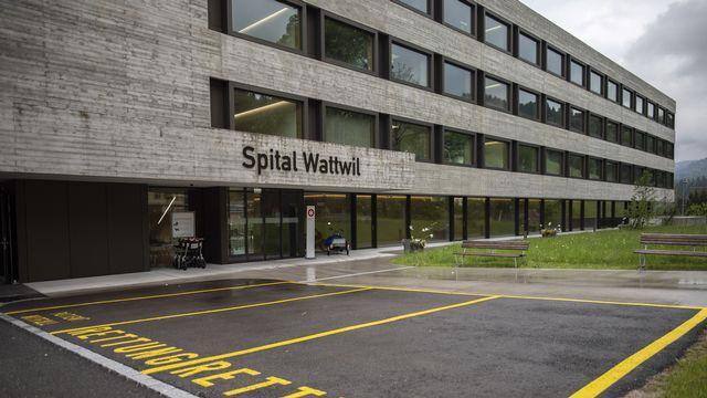 Rénové récemment, l'hôpital de Wattwil devrait être transformé en centre de soins. [Gian Ehrenzeller - Keystone]
