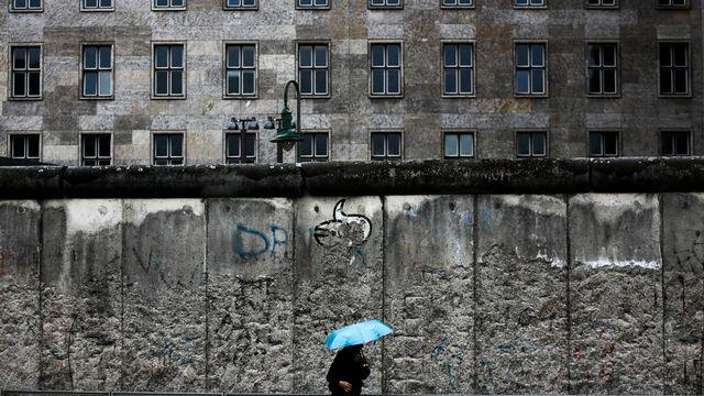 Une partie du mur qui séparait l'est et l'ouest de Berlin. [Keystone]