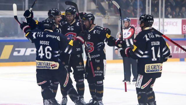 Fribourg remporte le premier duel de la saison contre Lausanne. [Anthony Anex - Keystone]