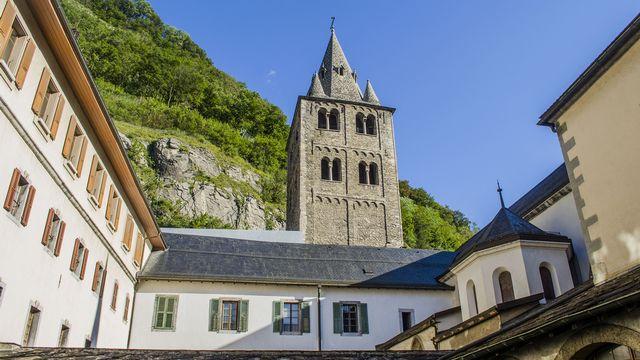 Le clocher roman de l'Abbaye de Saint Maurice. [Lcs74 - CC BY-SA 4.0]