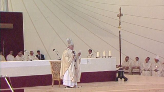 Messe du pape Jean-Paul II  à Sion (2) [RTS]