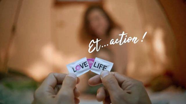 La campagne veut encourager une utilisation plus systématique du préservatif. [Love Life]