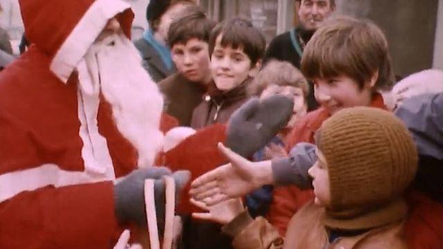 Arrivée du Père Noël à Villars-Sous-Yens. [RTS]