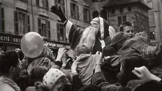 Le père Noël à Genève en 1954. [RTS]