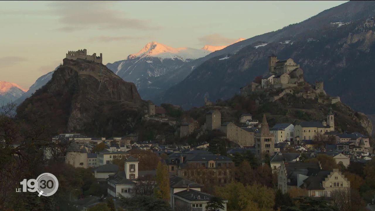 Plusieurs séismes ont secoué le Valais depuis hier soir, et les spécialistes n'excluent pas des répliques ces prochains jours. [RTS]