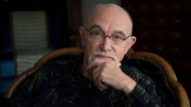 Gérard Macé en 2017. [F. Mantovani / Editions Gallimard.]