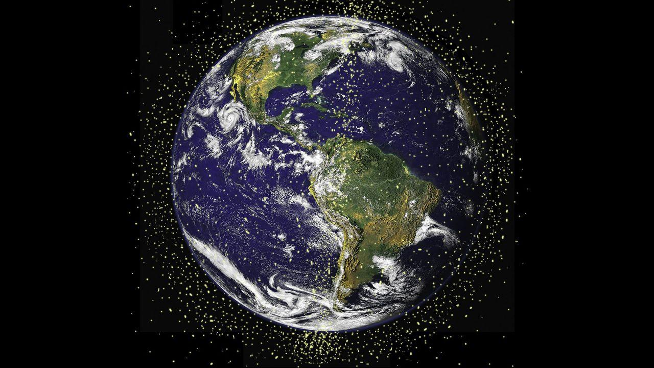 Il y a actuellement plus de 20'000 débris spatiaux de plus de 10 cm de diamètres en orbite autour de la Terre. [Nasa]