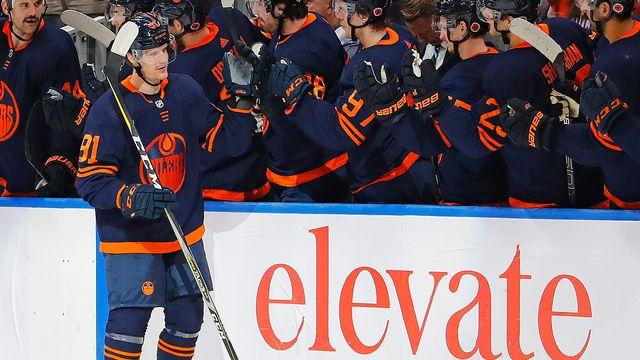 Pour son 11e match en NHL, Haas a contribué au facile succès des Oilers contre les Devils. [Perry Nelson - Reuters]