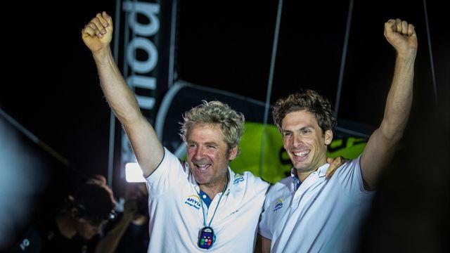 Yann Eliès et Charlie Dalin ont franchi la ligne d'arrivée à 01h23 heure suisse. [Pierre Bouras - AFP]