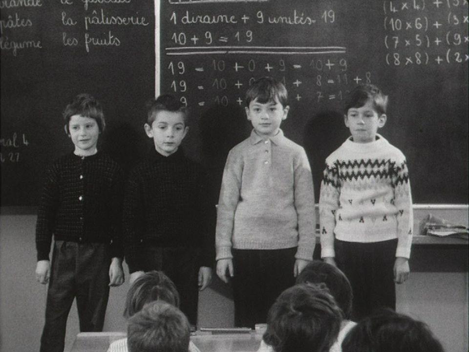 Les élèves du collège d'Orbe, héros de cette édition de Madame TV de 1962. [RTS]