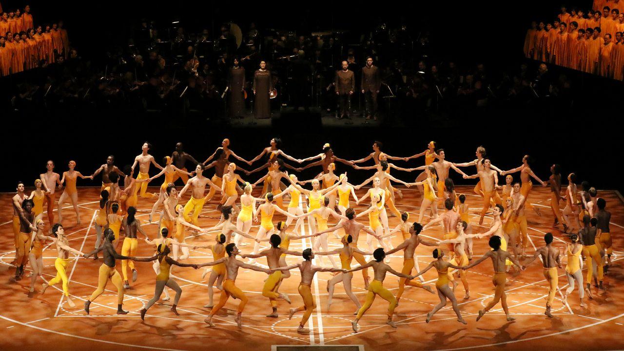 Photo Officielle du Béjart Ballet Lausanne. [Kiyonori Hasegawa - BBL]