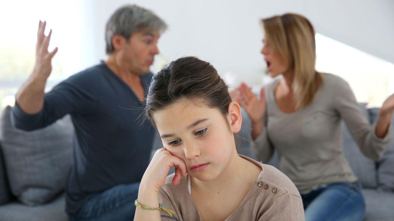 Le Valais veut mieux protéger les enfants en cas de divorce difficile. [goodluz]