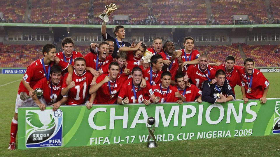 15 novembre 2009. Une joie incommensurable pour de jeunes Suisses qui inscrivent leur nom dans l'histoire du football en battant en finale le Nigeria, pays-hôte de cette Coupe du monde M17. [Keystone]