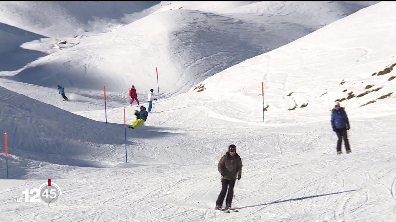 Ouverture de la saison de ski ce week-end dans les premières stations: le prix de l'abonnement variant selon la demande critiqué [RTS]