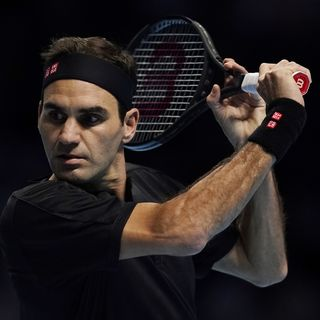 Federer regrettera encore longtemps ses deux balles de match en finale de Wimbledon. [Will Oliver - Keystone]