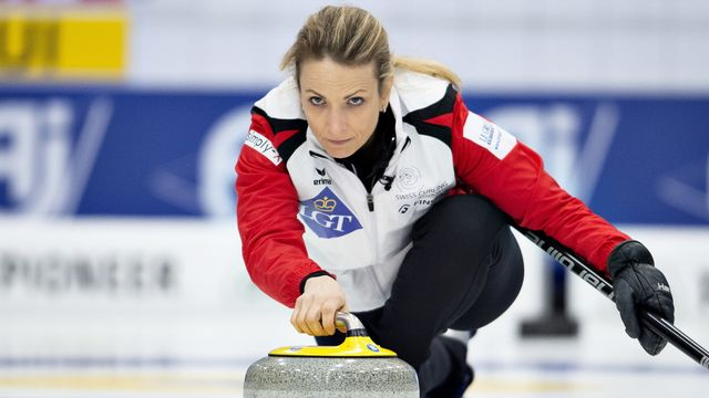 La skip Silvana Tirinzoni en action durant les Mondiaux de curling en mars. [Keystone]