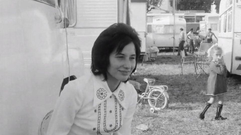 Regards de femmes sur leur vie de cirque en 1970. [RTS]