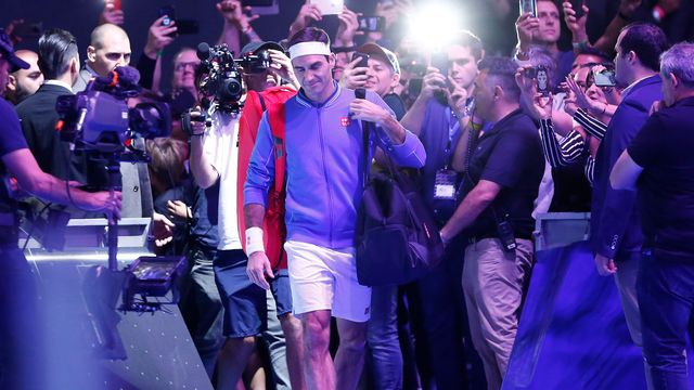 Roger Federer effectue une tournée de rock star en Amérique du Sud, comme ici au Chili. [Marcelo Hernandez - AFP]