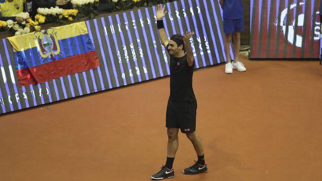 Federer a terminé dans les Andes sa tournée exhibition qui devrait lui rapporter quelque 10 millions de dollars. [Dolores Ochoa - AFP]