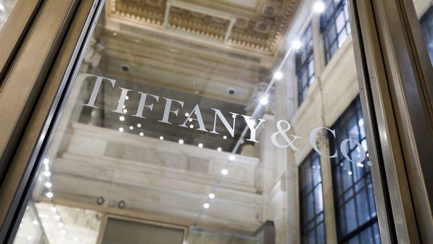 Économie : Le géant du luxe LVMH rachète le joaillier Tiffany pour 16 milliards |