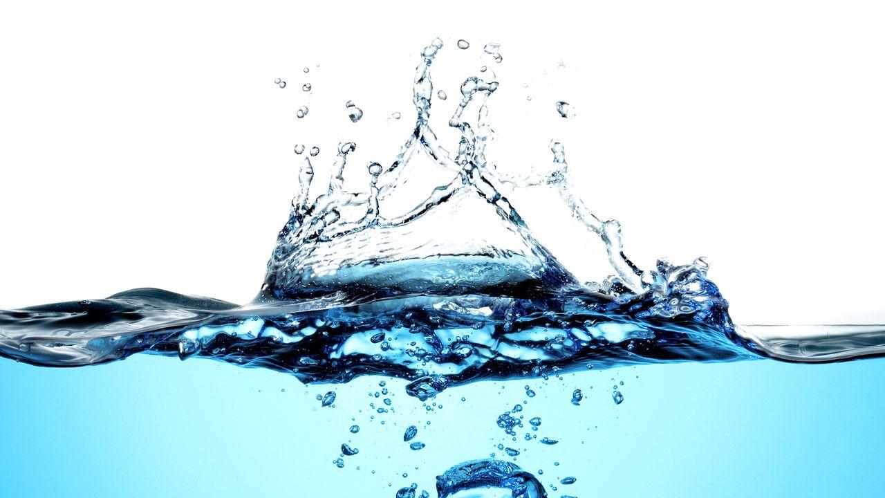 De l'eau. [estudiosaavedra - Depositphotos]