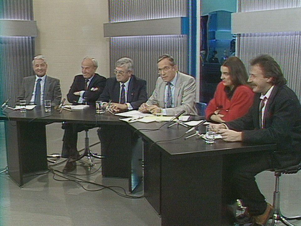 Débat après la votation sur la suppression de l'armée, 29.11.1989 [RTS]