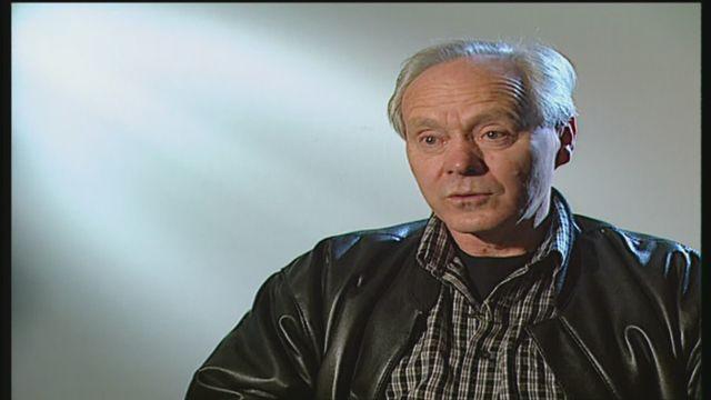 Entretien avec Köbi Kuhn qui évoque la qualification de la Suisse à l'Euro 2004 [RTS]