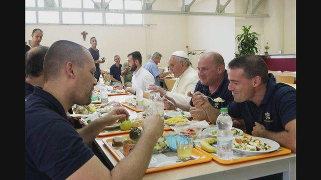 A la table du pape François [RTS]