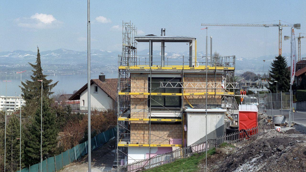 Etre propriétaire est toujours plus difficile en Suisse. [Martin Ruetschi - Keystone]