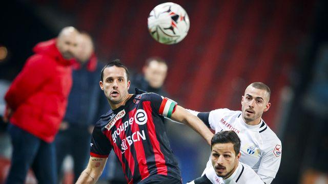 Raphaël Nuzzolo et les Xamaxiens ont concédé leur 8e défaite de la saison. [Valentin Flauraud - Keystone]