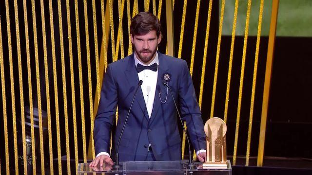 Trophée Yachine: Alisson Becker remporte le premier trophée Yachine de l'Histoire [RTS]