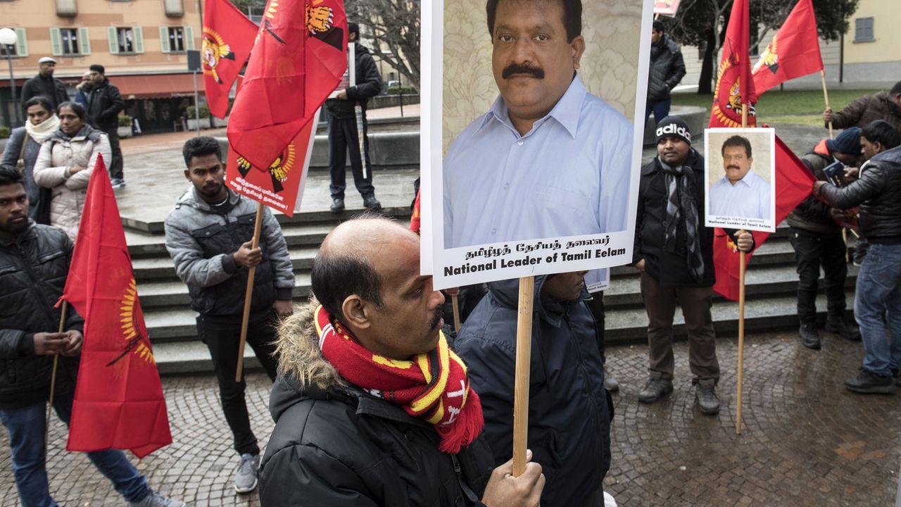 Manifestation de soutien aux accusés lors du procès devant le TPF à Bellinzone en janvier 2018. [Alessandro Crinari - Ti-Press/Keystone]