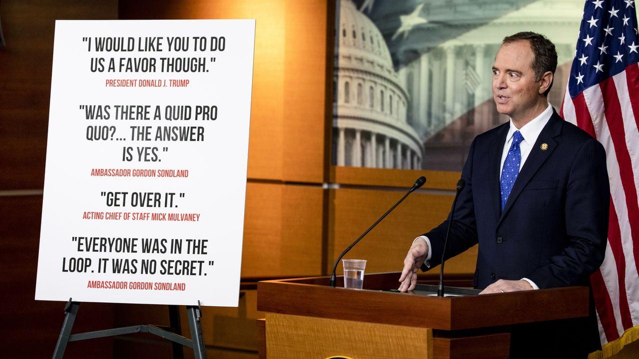 Le président de la commission du renseignement de la Chambre des représentants américaine, Adam Schiff, lors de la présentation du rapport. [Samuel Corum - EPA]