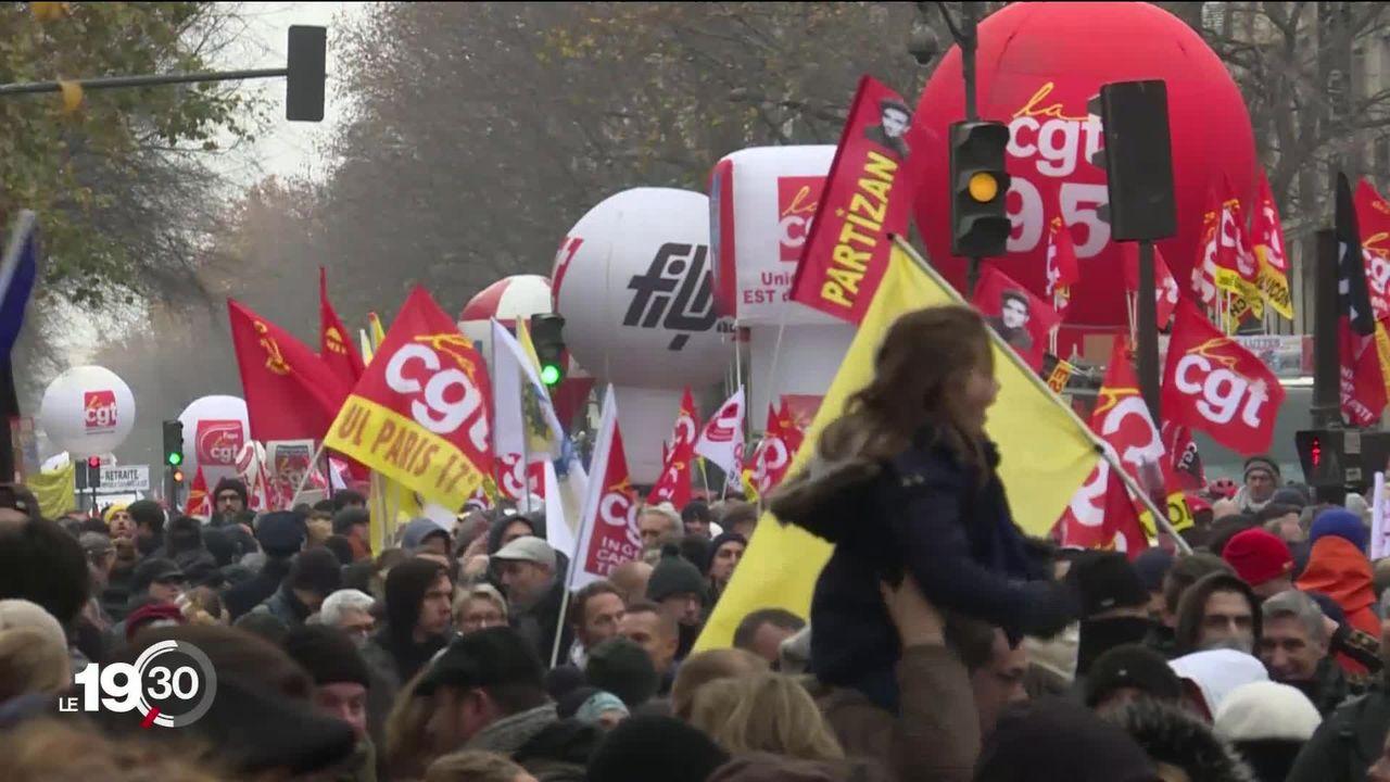 La réforme des retraites paralyse le secteur des transports et mobilise la population dans toute la France [RTS]