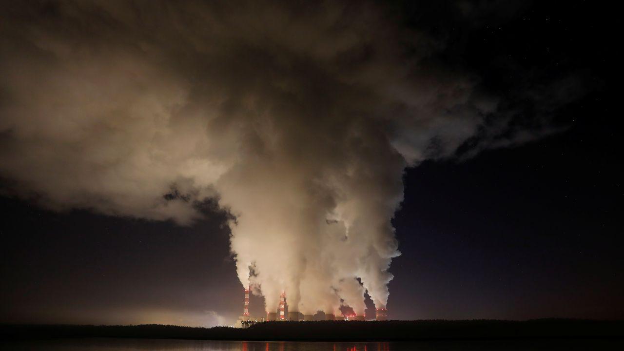 L'usine électrique fonctionnant au charbon de Belchatow, en Pologne. [Kacper Pempel - Reuters]
