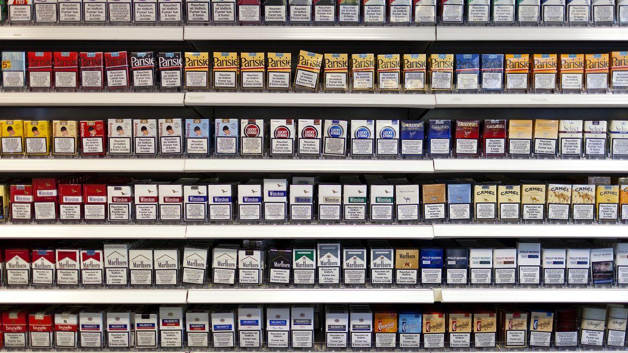 L'initiative demande que la Confédération interdise pour les produits du tabac toute forme de publicité qui atteint les enfants et les jeunes. [Gaetan Bally - Keystone]